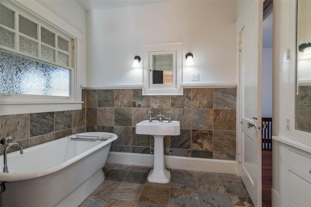 602 Travis Street, Sherman, Texas 75090 - acquisto real estate best realtor westlake susan cancemi kind realtor of the year