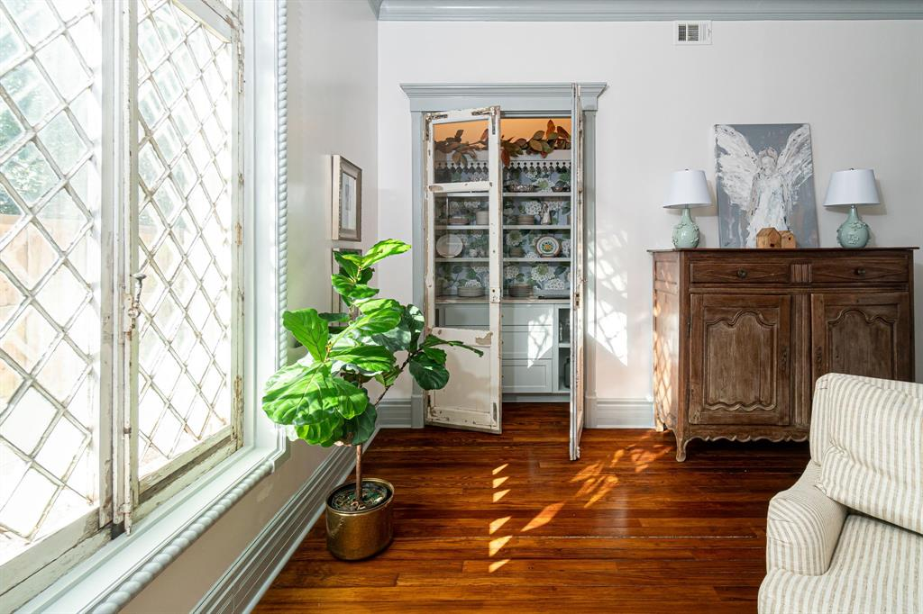 504 Virginia Street, McKinney, Texas 75069 - acquisto real estate best new home sales realtor linda miller executor real estate