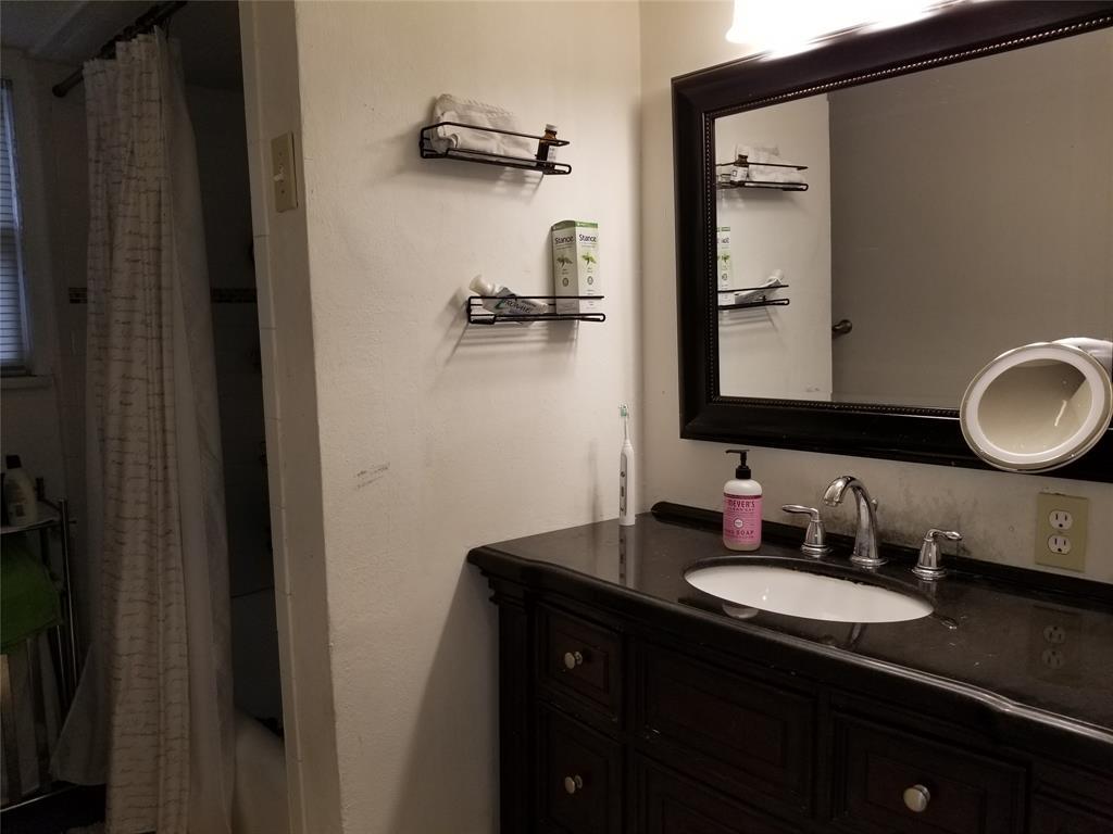 6006 Morningside Avenue, Dallas, Texas 75206 - acquisto real estate best highland park realtor amy gasperini fast real estate service