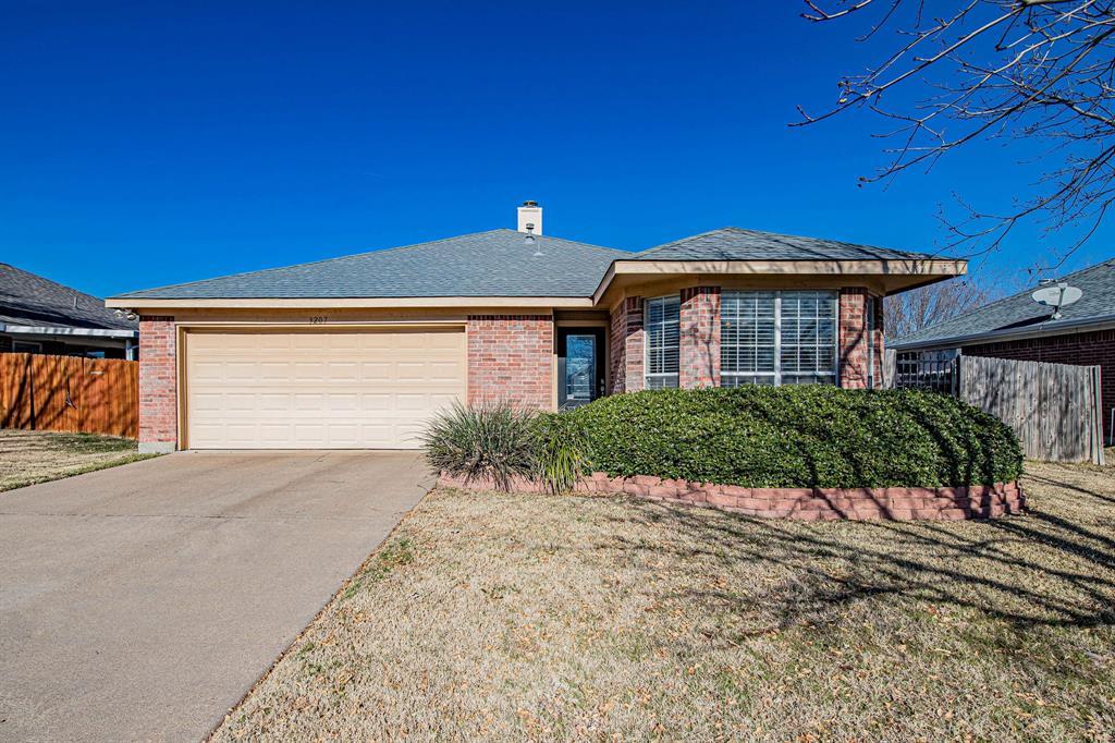 3207 Dove Valley Lane, Mansfield, Texas 76063 - acquisto real estate best allen realtor kim miller hunters creek expert
