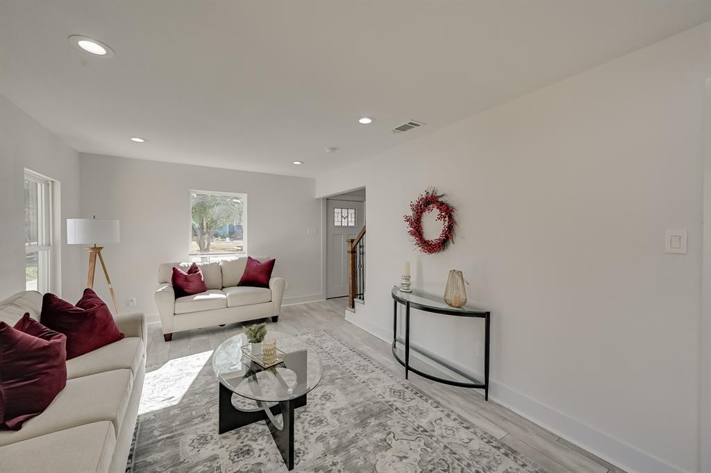 4409 Morris Court, Fort Worth, Texas 76103 - acquisto real estate best flower mound realtor jody daley lake highalands agent of the year
