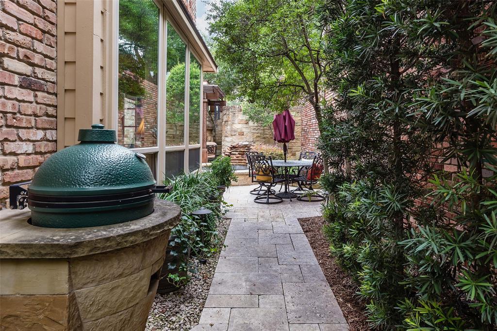 3 Glenshire Court, Dallas, Texas 75225 - acquisto real estate best plano real estate agent mike shepherd