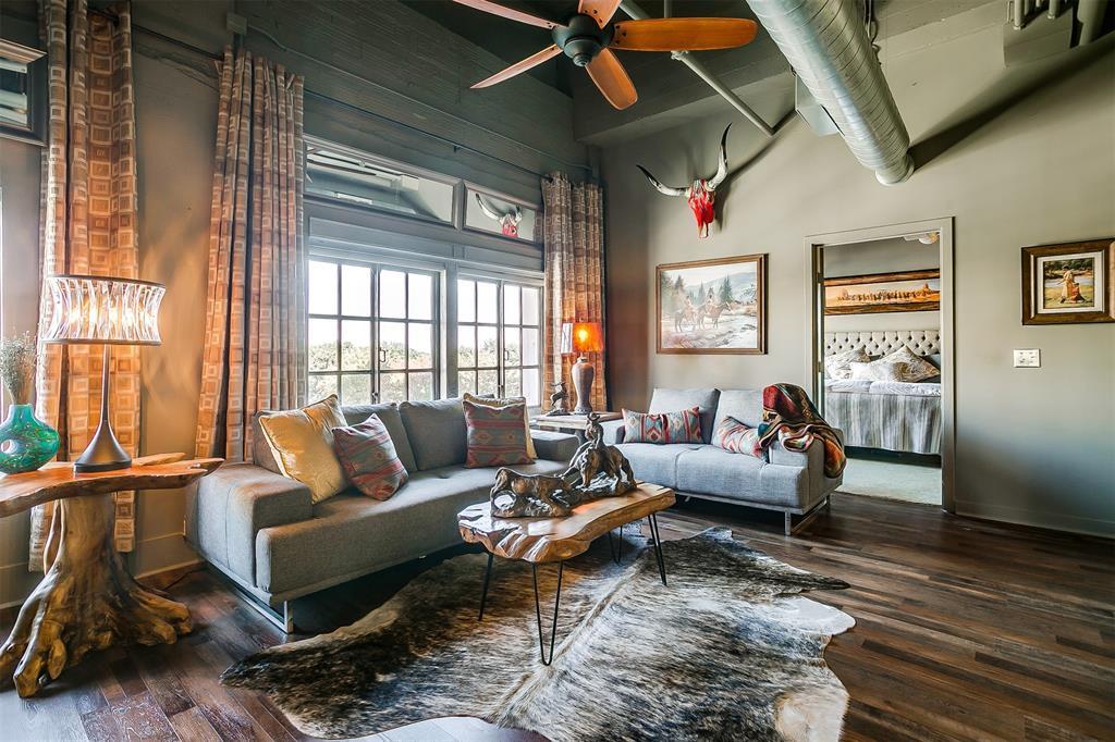 221 Lancaster Avenue, Fort Worth, Texas 76102 - Acquisto Real Estate best frisco realtor Amy Gasperini 1031 exchange expert