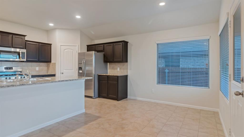 9104 RIDGERIVER Way, Fort Worth, Texas 76131 - acquisto real estate best real estate company to work for