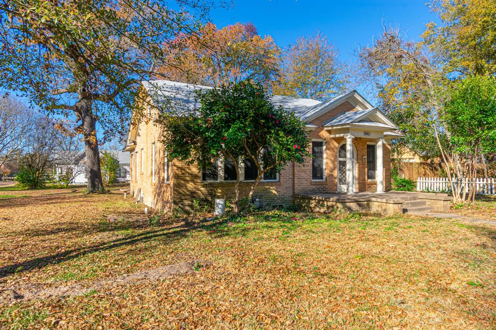 501 Sycamore Street, Mineola, Texas 75773 - acquisto real estate best photos for luxury listings amy gasperini quick sale real estate