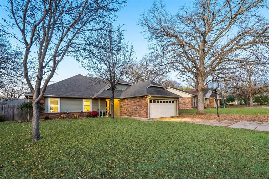 2111 Reverchon Drive, Arlington, Texas 76017 - acquisto real estate best prosper realtor susan cancemi windfarms realtor