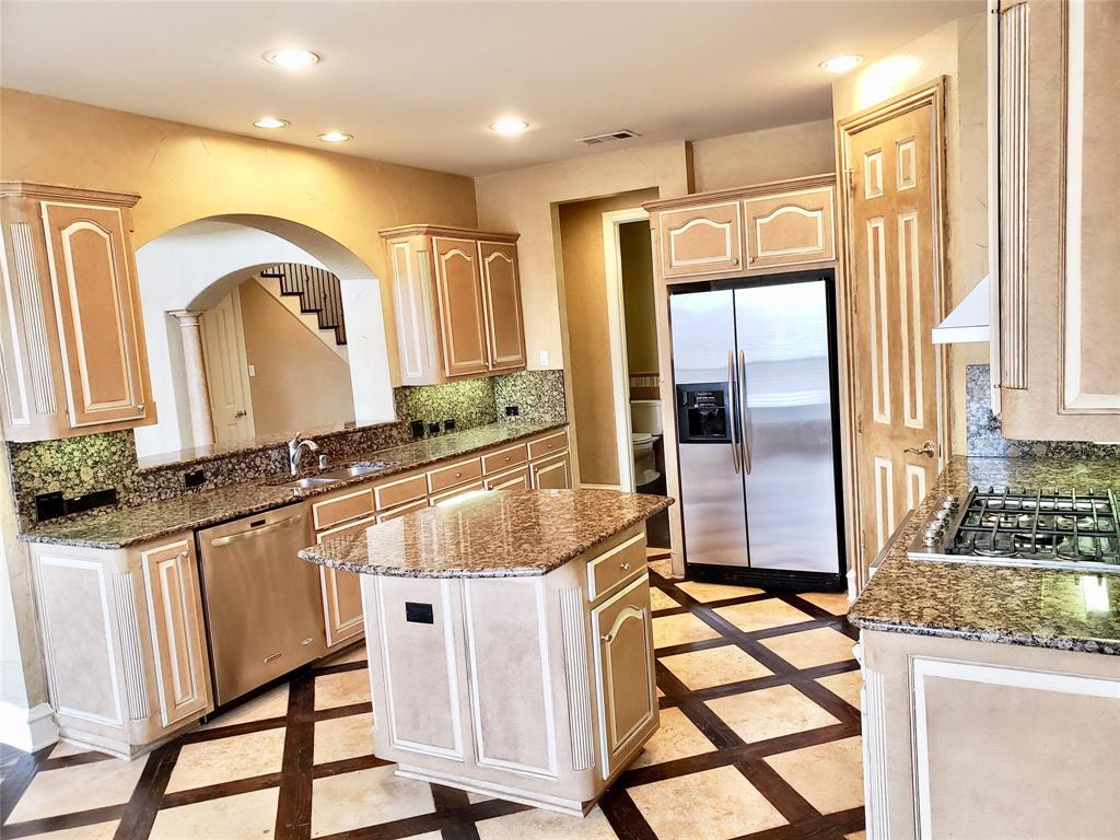 4303 Spyglass Hill Lane, Irving, Texas 75038 - acquisto real estate best real estate company to work for