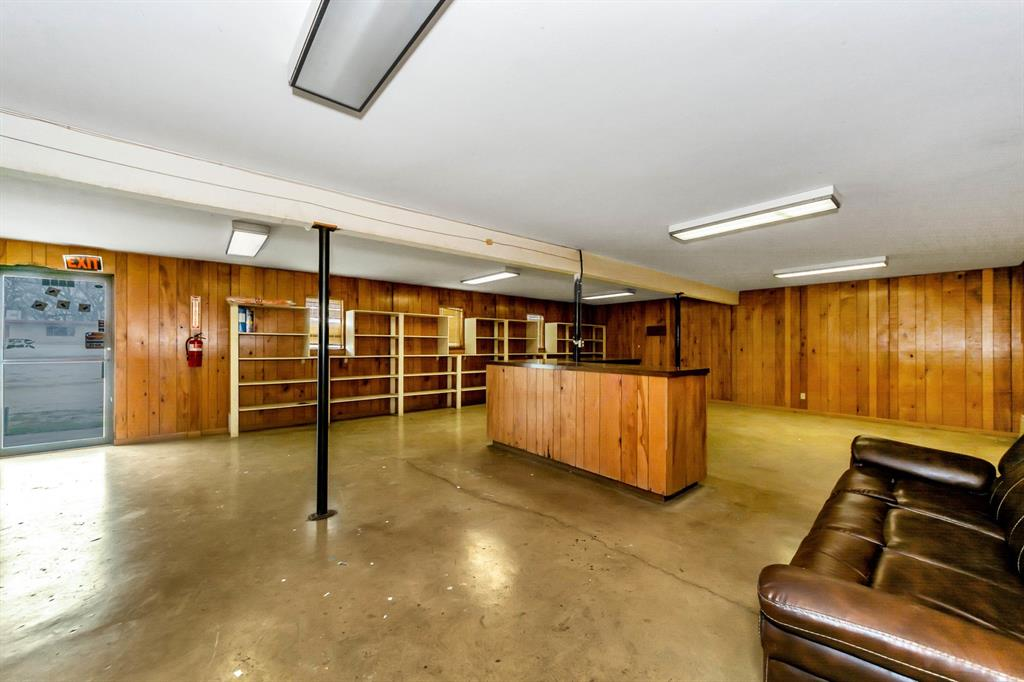 2004 Chico Highway, Bridgeport, Texas 76426 - acquisto real estate best real estate company to work for