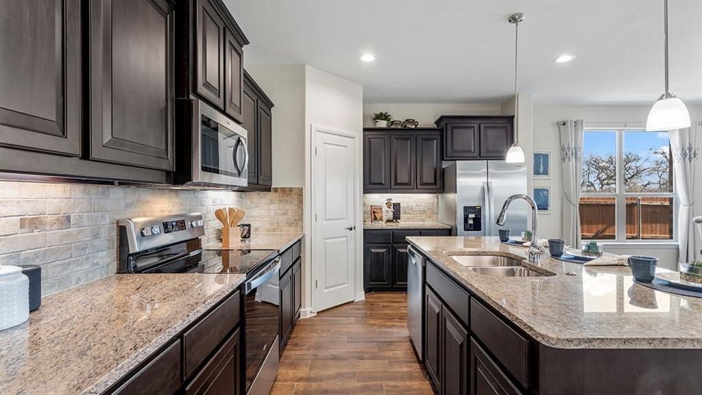 1232 KERRVILLE  Lane, Weatherford, Texas 76087 - acquisto real estate best the colony realtor linda miller the bridges real estate