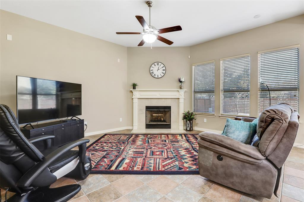 8450 Linden Street, Lantana, Texas 76226 - acquisto real estate best listing agent in the nation shana acquisto estate realtor