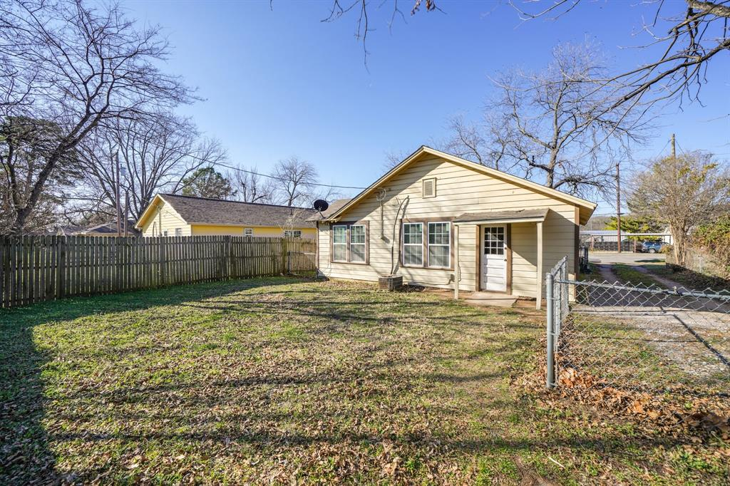 2014 Oak Avenue, Mineral Wells, Texas 76067 - acquisto real estate best photo company frisco 3d listings