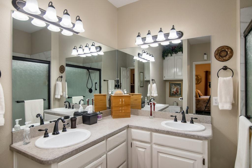 2126 Lakeforest Drive, Weatherford, Texas 76087 - acquisto real estate best photos for luxury listings amy gasperini quick sale real estate