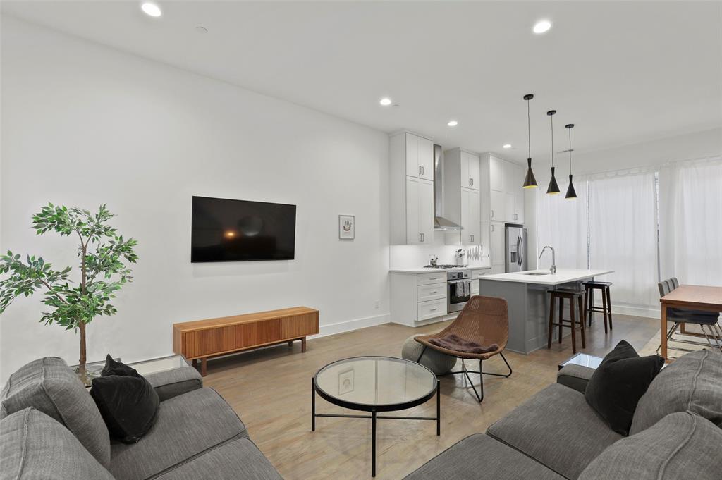 2226 Garrett Avenue, Dallas, Texas 75206 - acquisto real estate best the colony realtor linda miller the bridges real estate