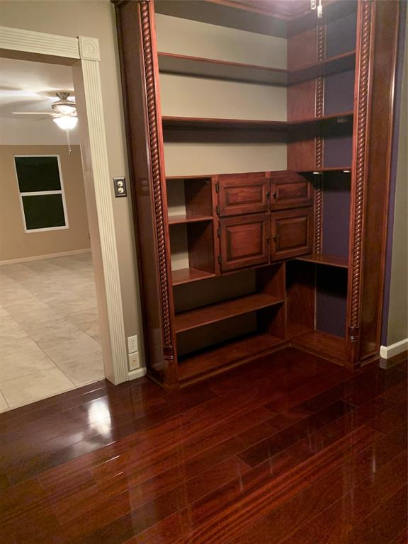 611 Worthview Drive, River Oaks, Texas 76114 - acquisto real estate best realtor dfw jody daley liberty high school realtor