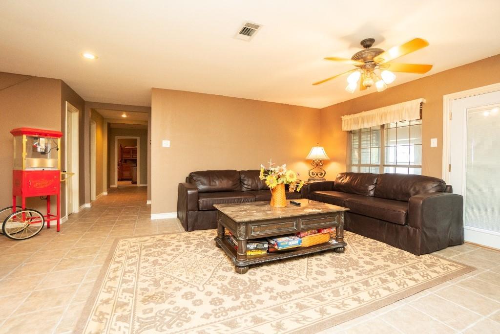 960 Mark Circle Scroggins, Texas 75480 - acquisto real estate best realtor foreclosure real estate mike shepeherd walnut grove realtor