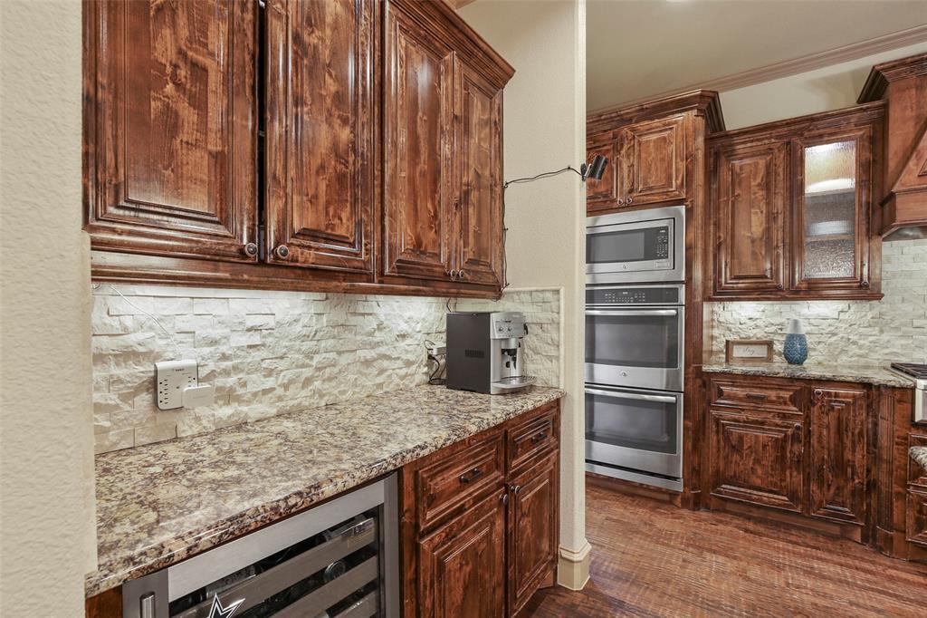1054 Shadyside Lane, Dallas, Texas 75223 - acquisto real estate best listing agent in the nation shana acquisto estate realtor