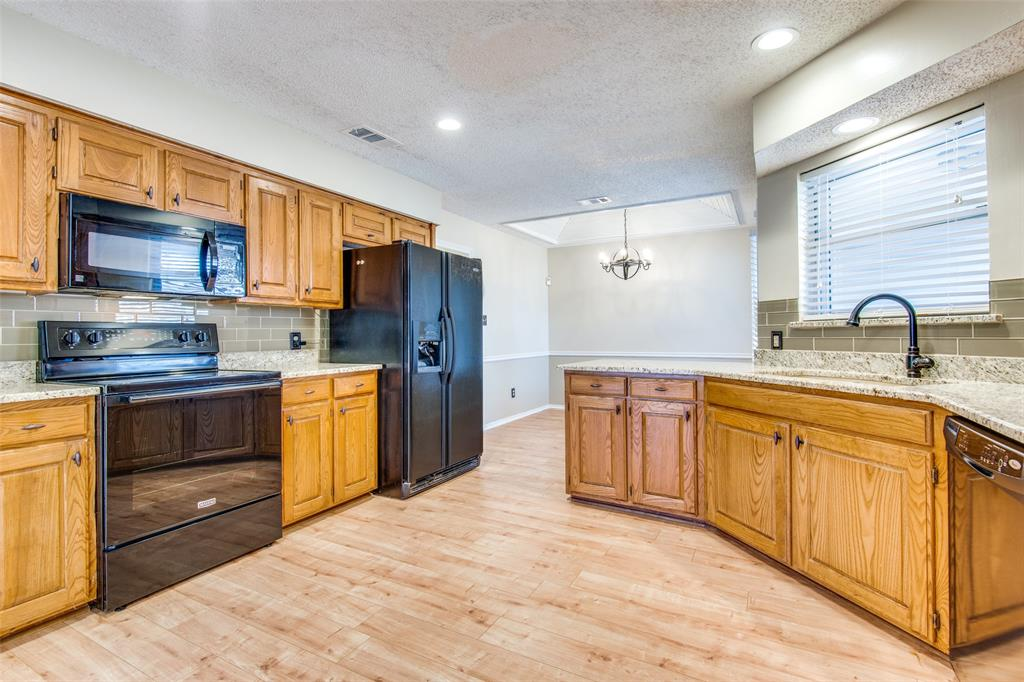 1629 Rocky Point Drive, Lewisville, Texas 75077 - acquisto real estate best flower mound realtor jody daley lake highalands agent of the year