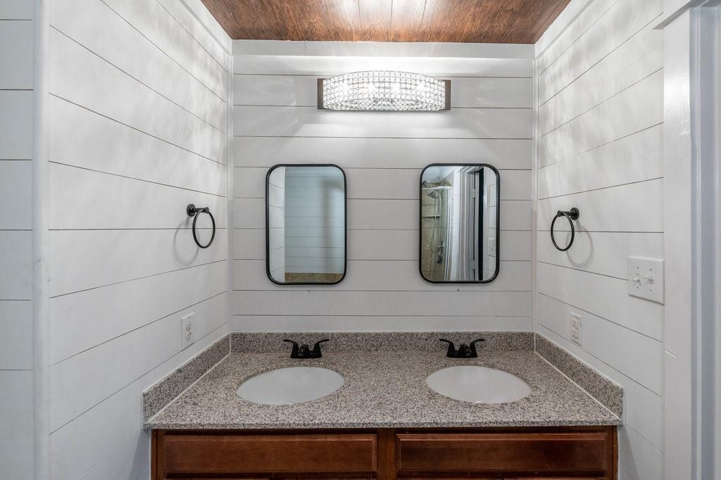 1337 Shelley Drive, Burleson, Texas 76028 - acquisto real estate best negotiating realtor linda miller declutter realtor