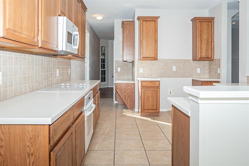3920 Lochridge Court, North Richland Hills, Texas 76180 - acquisto real estate best the colony realtor linda miller the bridges real estate