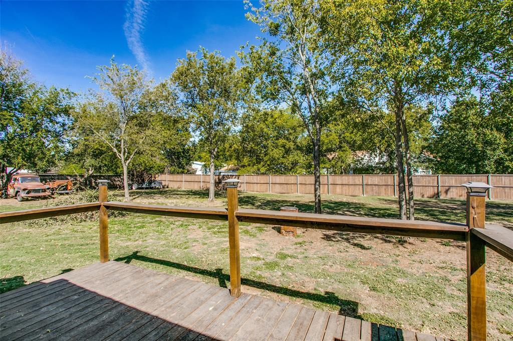 605 6th  Street, Justin, Texas 76247 - acquisto real estate best plano real estate agent mike shepherd