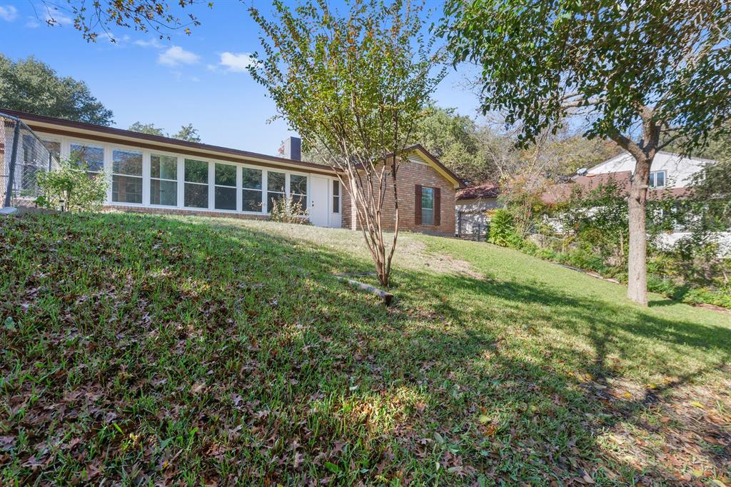 1641 Cherry Creek Drive, Woodway, Texas 76712 - acquisto real estate mvp award real estate logan lawrence
