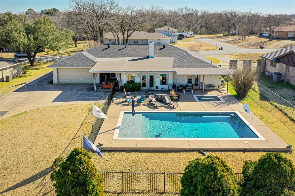 401 Country Club Drive, Joshua, Texas 76058 - acquisto real estate mvp award real estate logan lawrence