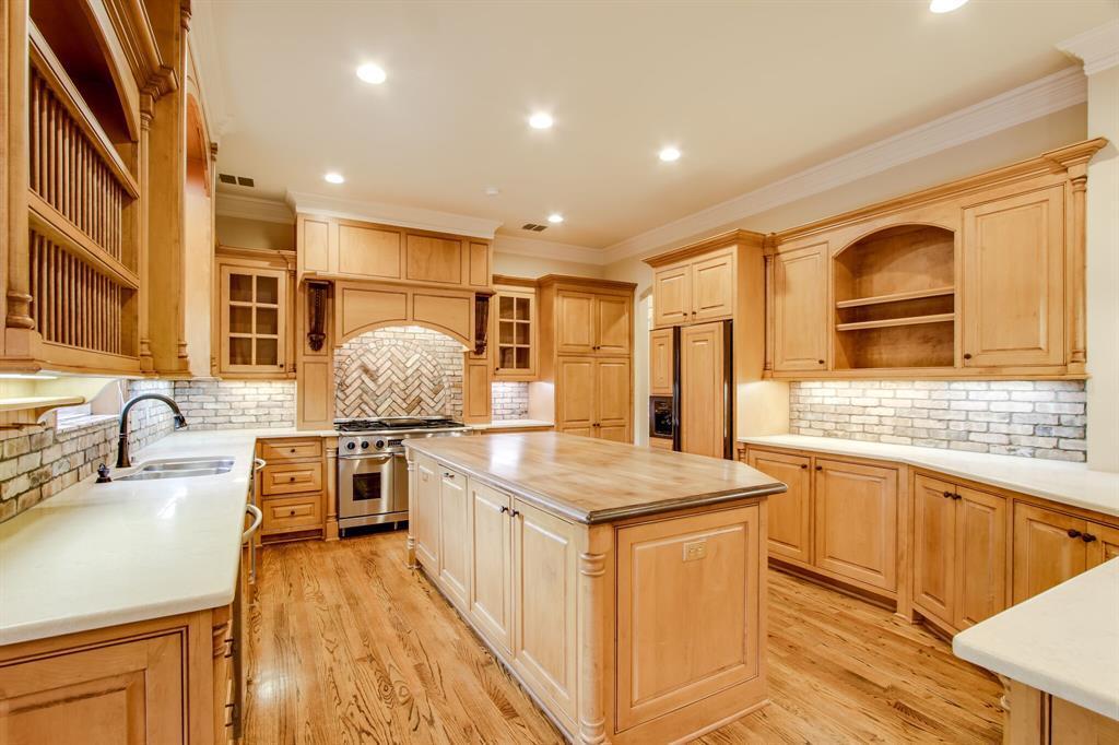 401 Fall Creek Drive, Richardson, Texas 75080 - acquisto real estate best luxury buyers agent in texas shana acquisto inheritance realtor