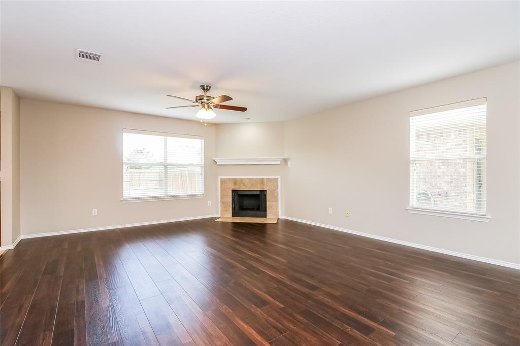 5729 Moon Flower Court, Fort Worth, Texas 76244 - acquisto real estate best allen realtor kim miller hunters creek expert