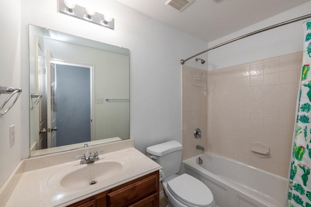 1337 Shelley Drive, Burleson, Texas 76028 - acquisto real estate best realtor dfw jody daley liberty high school realtor