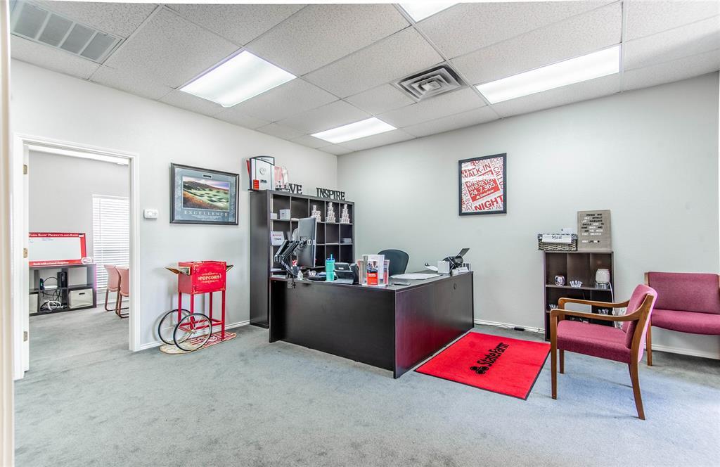 2305 Roosevelt Drive, Dalworthington Gardens, Texas 76016 - acquisto real estate best highland park realtor amy gasperini fast real estate service
