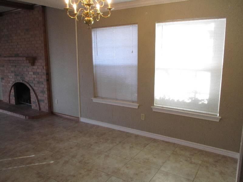 4611 Oak Club Drive, Arlington, Texas 76017 - acquisto real estate best highland park realtor amy gasperini fast real estate service