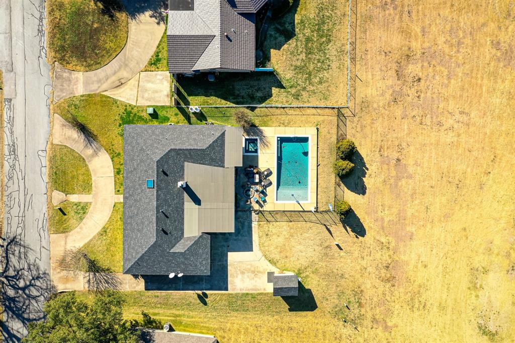 401 Country Club Drive, Joshua, Texas 76058 - acquisto real estate agent of the year mike shepherd