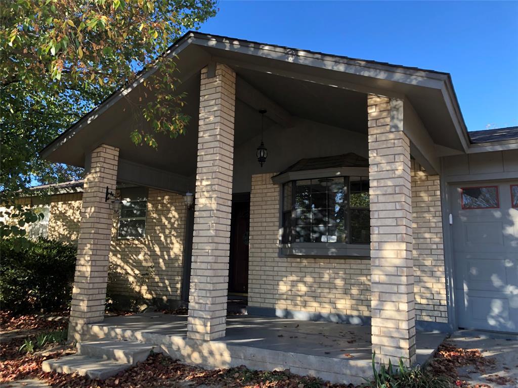 203 Shoshone Street, Comanche, Texas 76442 - Acquisto Real Estate best frisco realtor Amy Gasperini 1031 exchange expert