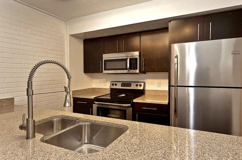 5909 Birchbrook Drive, Dallas, Texas 75206 - acquisto real estate best designer and realtor hannah ewing kind realtor