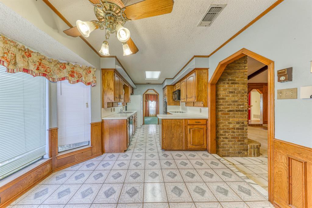 4000 Toledo Avenue, Fort Worth, Texas 76133 - acquisto real estate best listing agent in the nation shana acquisto estate realtor