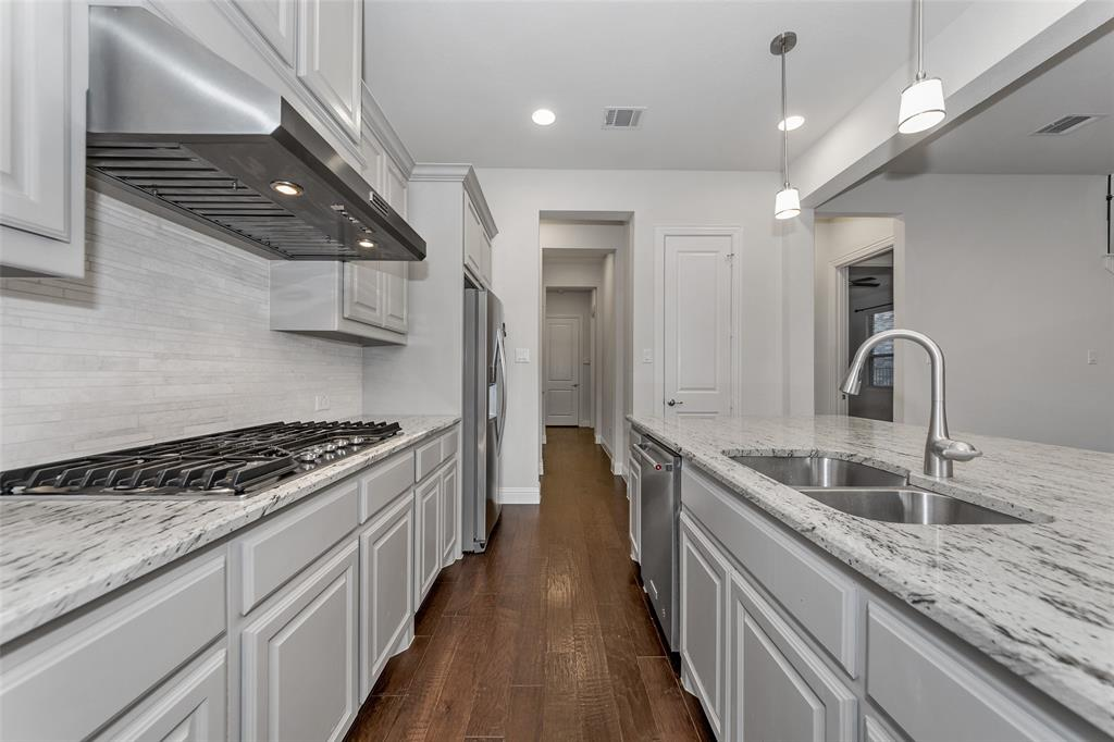 1017 Midland Drive, Allen, Texas 75013 - acquisto real estate best real estate company to work for