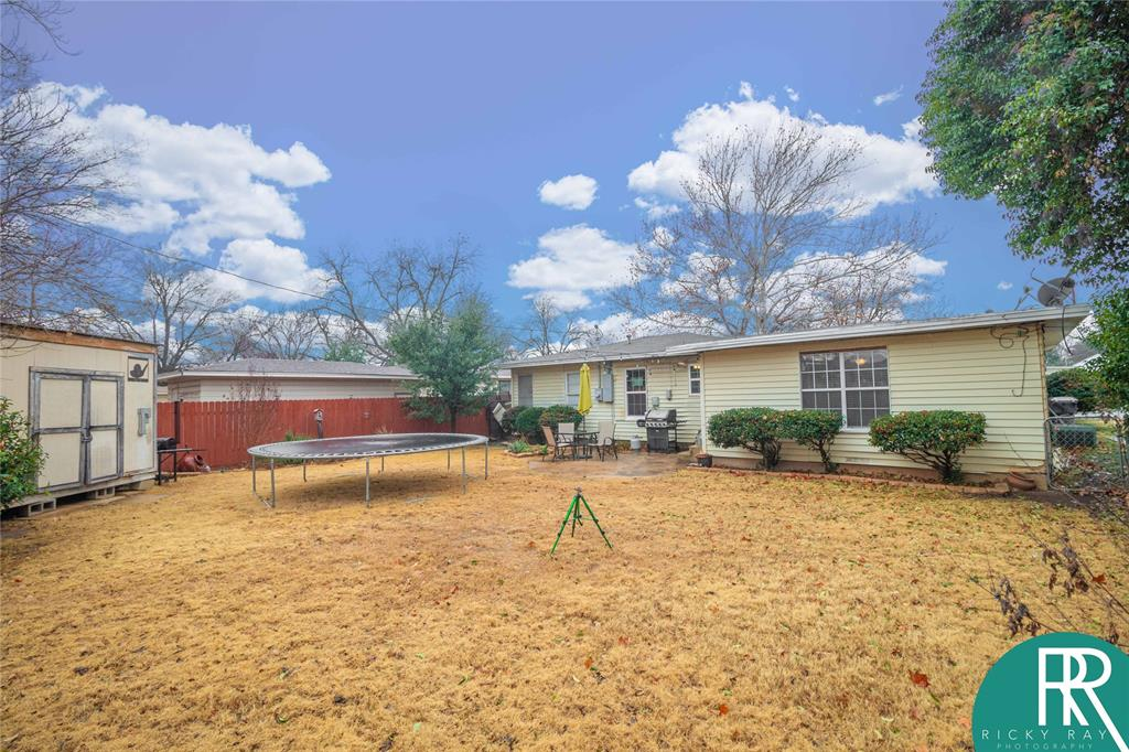 2210 Berkley Street, Brownwood, Texas 76801 - acquisto real estaet best boutique real estate firm in texas for high net worth sellers