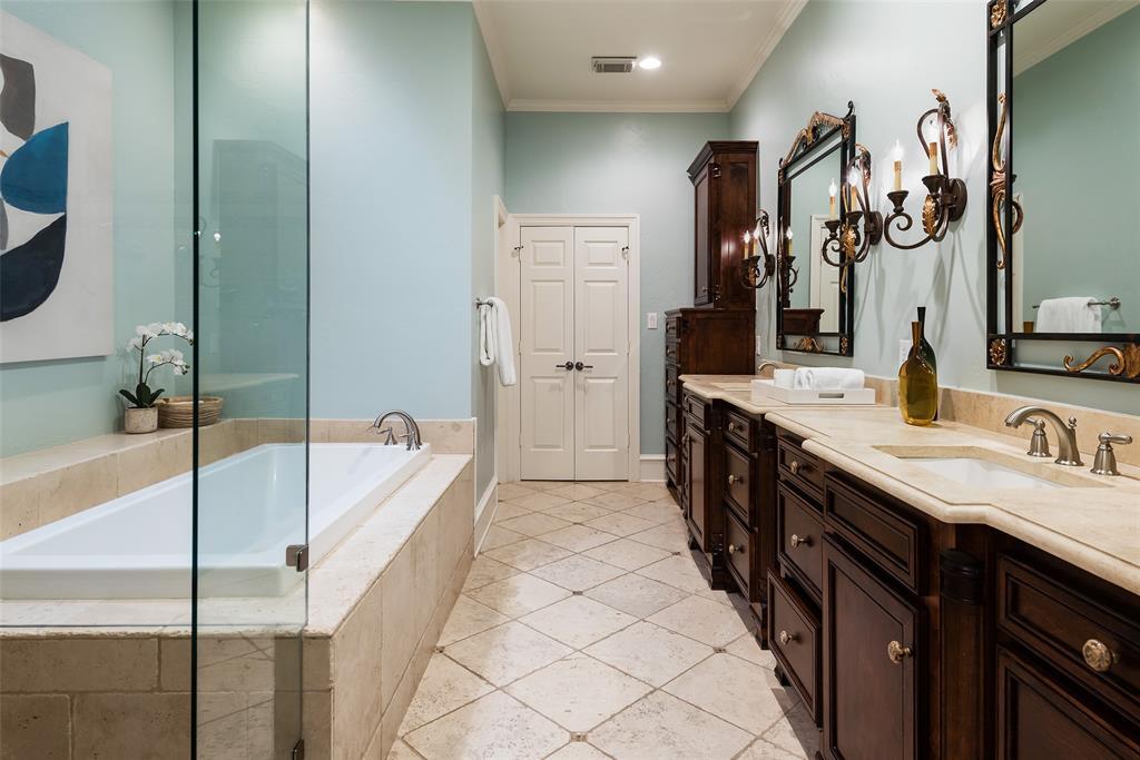 3 Glenshire Court, Dallas, Texas 75225 - acquisto real estate best realtor dallas texas linda miller agent for cultural buyers