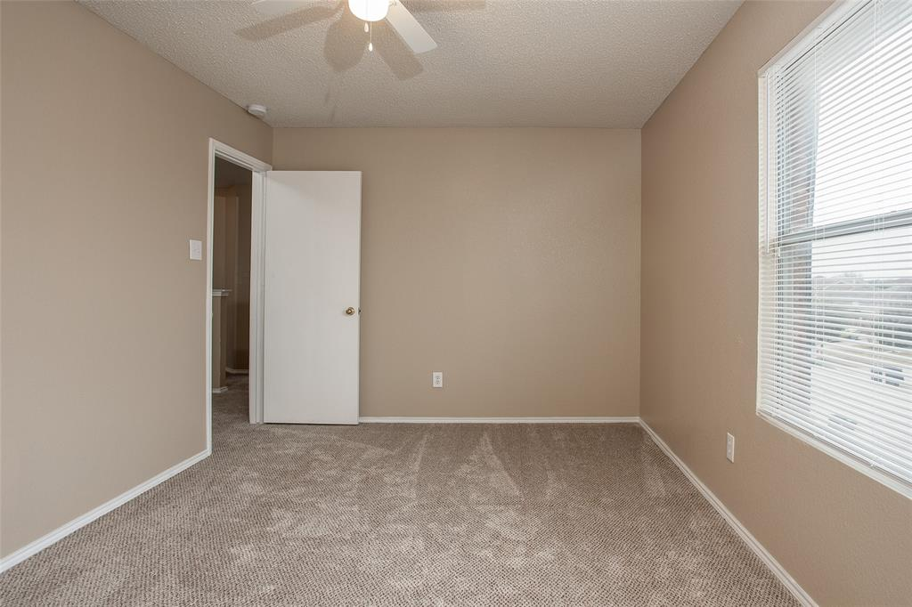 8304 Cutter Hill Avenue, Fort Worth, Texas 76134 - acquisto real estate best realtor foreclosure real estate mike shepeherd walnut grove realtor