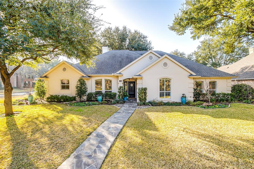 6701 Glen Meadow Drive, Fort Worth, Texas 76132 - Acquisto Real Estate best plano realtor mike Shepherd home owners association expert