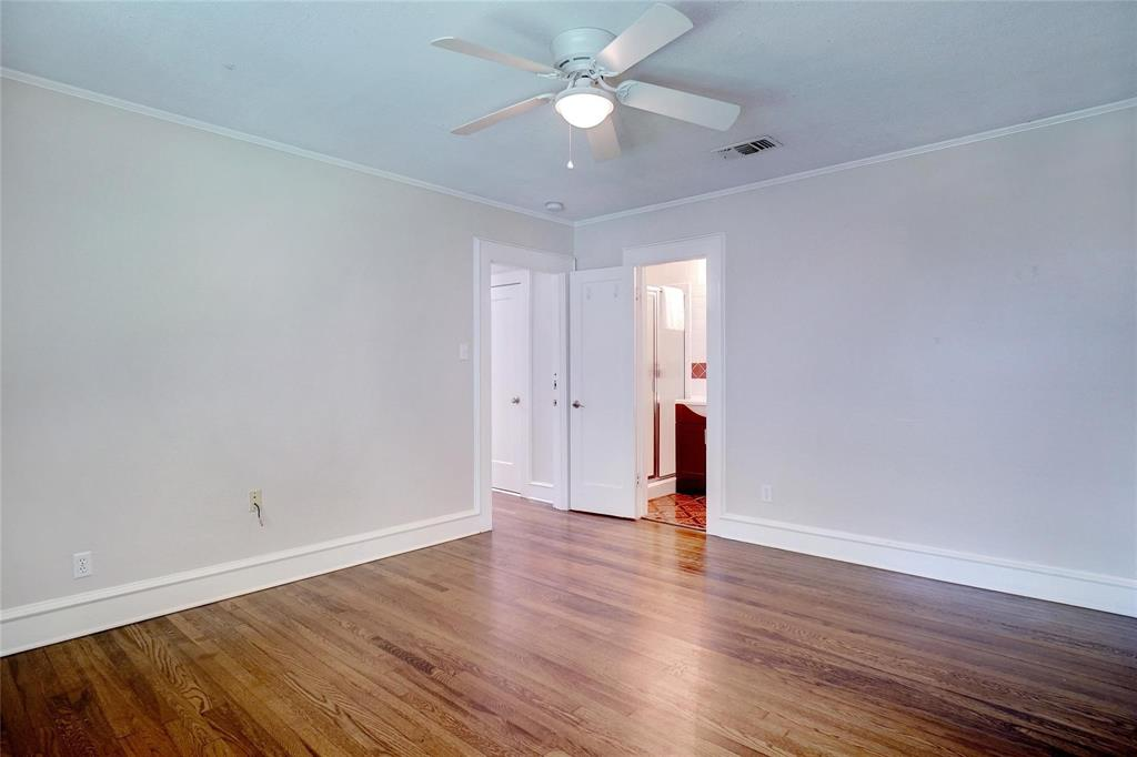 3201 Cockrell Avenue, Fort Worth, Texas 76109 - acquisto real estate best realtor foreclosure real estate mike shepeherd walnut grove realtor