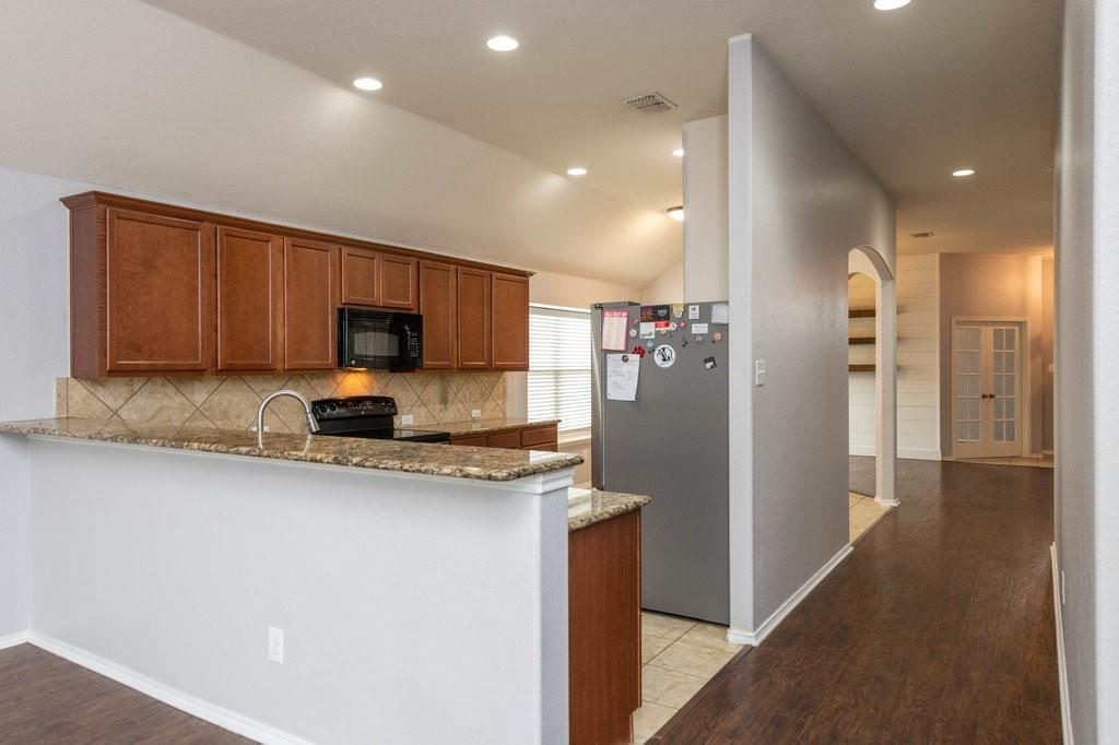 1337 Shelley Drive, Burleson, Texas 76028 - acquisto real estate best style realtor kim miller best real estate reviews dfw