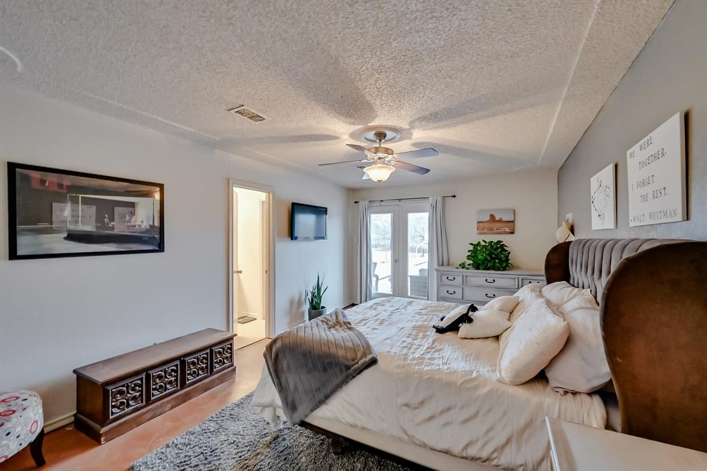 401 Country Club Drive, Joshua, Texas 76058 - acquisto real estaet best boutique real estate firm in texas for high net worth sellers