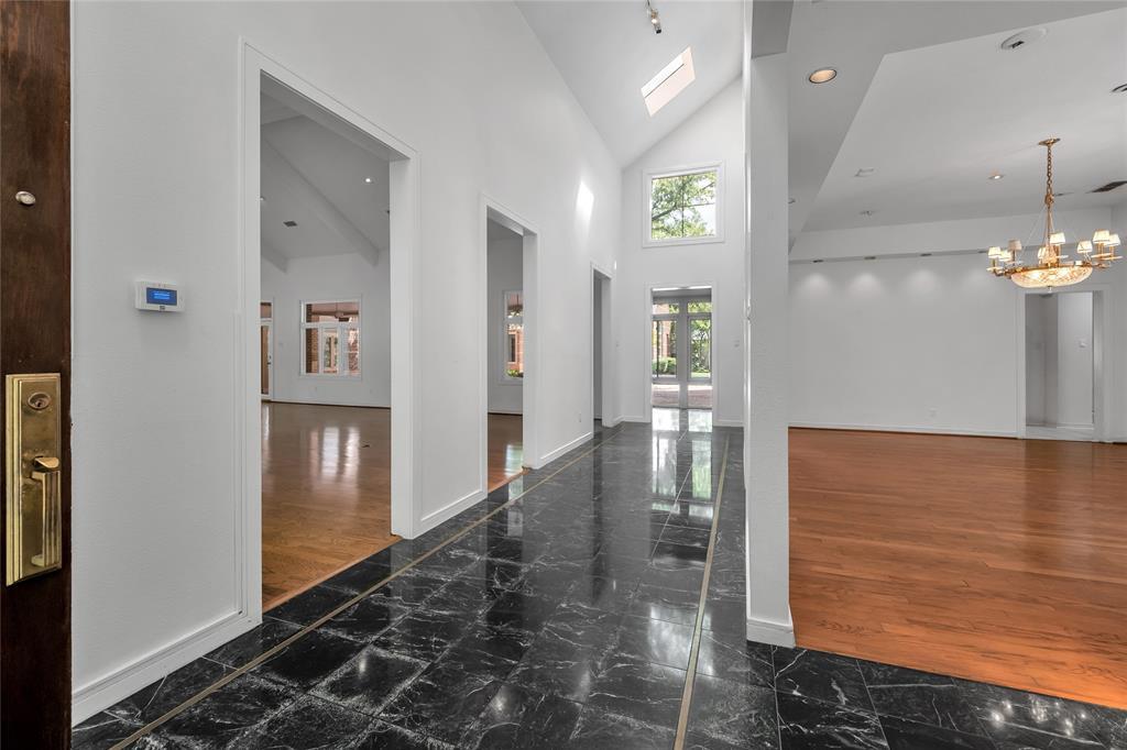 10131 Hollow Way Road, Dallas, Texas 75229 - acquisto real estate best celina realtor logan lawrence best dressed realtor