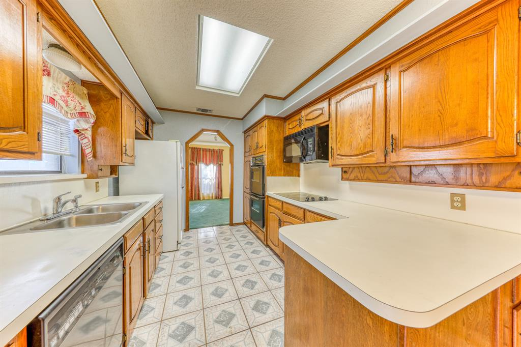 4000 Toledo Avenue, Fort Worth, Texas 76133 - acquisto real estate best real estate company to work for
