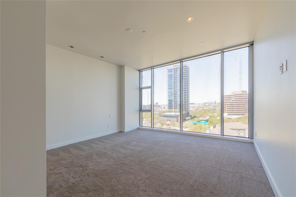 2900 Mckinnon  Street, Dallas, Texas 75201 - acquisto real estate best realtor dfw jody daley liberty high school realtor