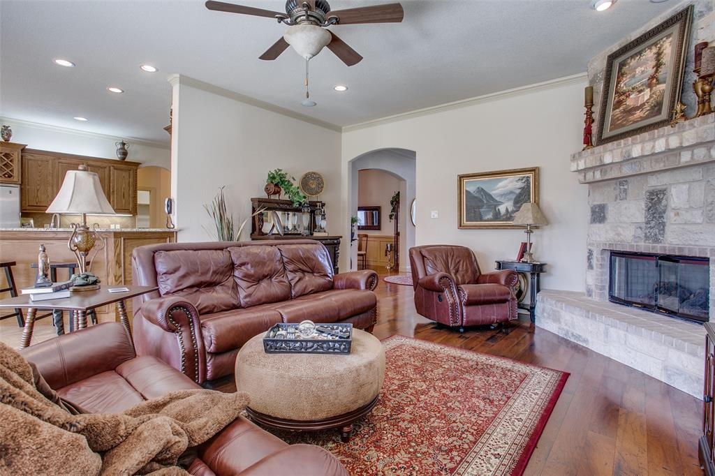 7920 Forest View Court, North Richland Hills, Texas 76182 - acquisto real estate best celina realtor logan lawrence best dressed realtor