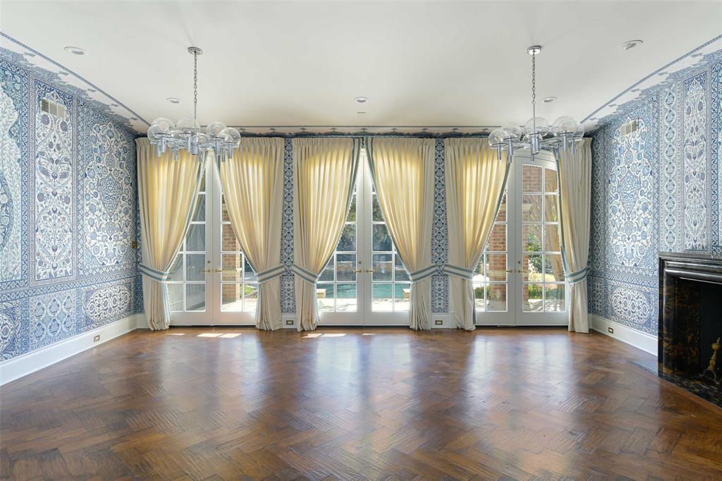5828 Woodland Drive, Dallas, Texas 75225 - acquisto real estate best celina realtor logan lawrence best dressed realtor
