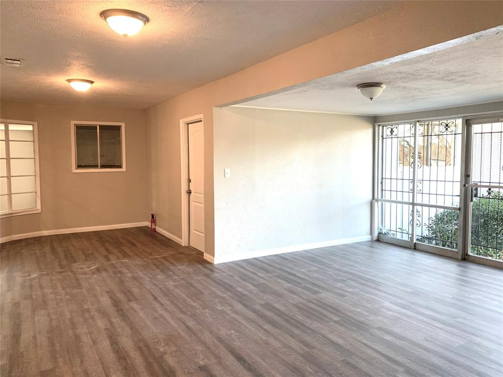 1227 Willow Glen Drive, Dallas, Texas 75232 - acquisto real estate best park cities realtor kim miller best staging agent