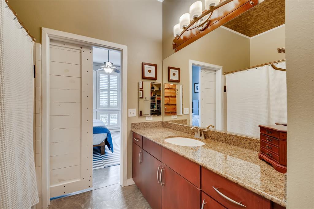 201 Lancaster Avenue, Fort Worth, Texas 76102 - acquisto real estate best designer and realtor hannah ewing kind realtor